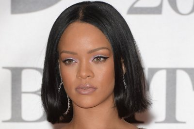 Rihanna receives Black Girls Rock award: 'Success comes from being myself'