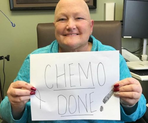 Paris Jackson celebrates mom Debbie Rowe finishing chemo