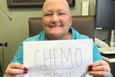 Paris Jackson celebrates mom Debbie Rowe finishing chemo