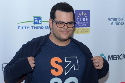 Josh Gad enlists Judi Dench to ask Daisy Ridley 'The Last Jedi' questions