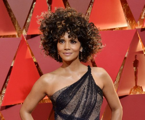 Halle Berry goes skinny dipping after 2017 Oscars