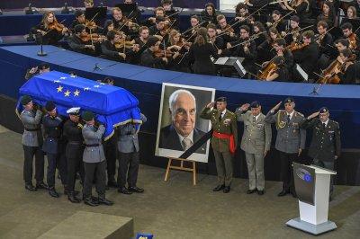 World leaders memorialize Helmut Kohl