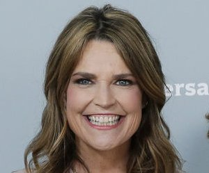 Savannah Guthrie denies she's pregnant: 'It is just the dress'