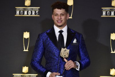 Patrick Mahomes wins 2018 NFL MVP, Aaron Donald gets DPOY