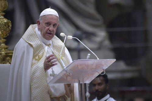 Pope Francis canonizes five new saints