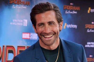Jake Gyllenhaal says Hugh Jackman declined handstand challenge
