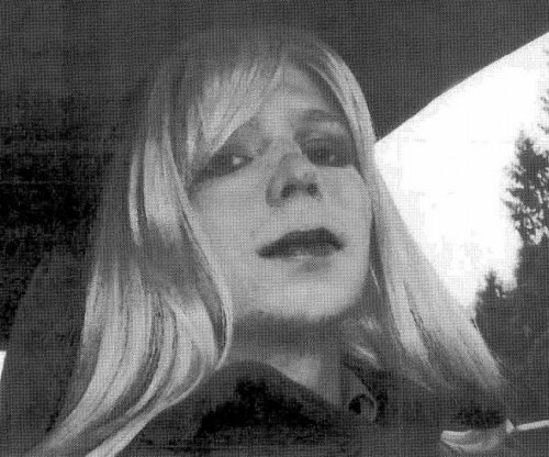 U.S. military must now use female pronouns when referring to Chelsea Manning