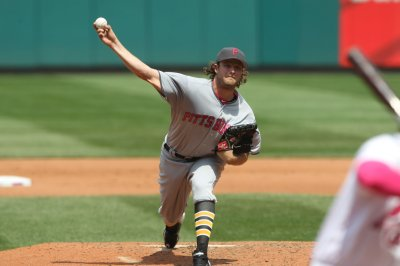 Gerrit Cole pitches shutout; Pittsburgh Pirates rock Seattle Mariners