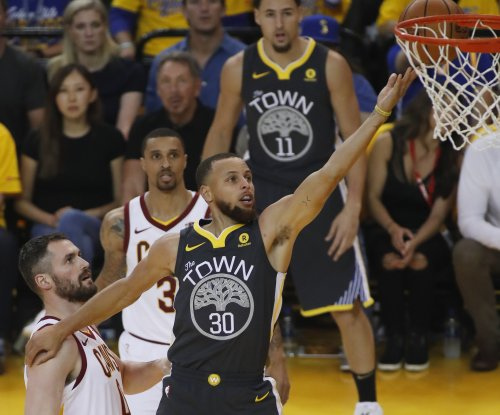 NBA Finals: Curry, Warriors beat Cavaliers in Game 2