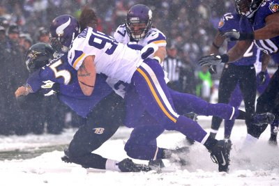 Minnesota Vikings DE Brian Robison expects 2018 to be last season