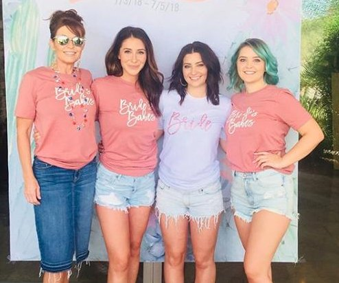Willow Palin celebrates at bachelorette party with mom, sisters