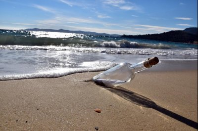 Message in a bottle found after 10 years in Russia