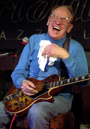 Guitar wizard Les Paul dies at 94