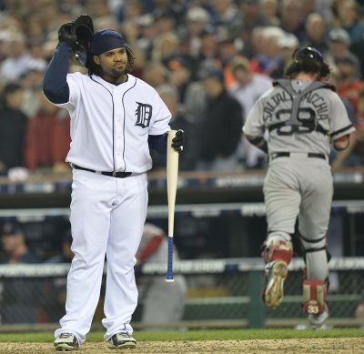 Tigers deal Fielder to Texas for Kinsler