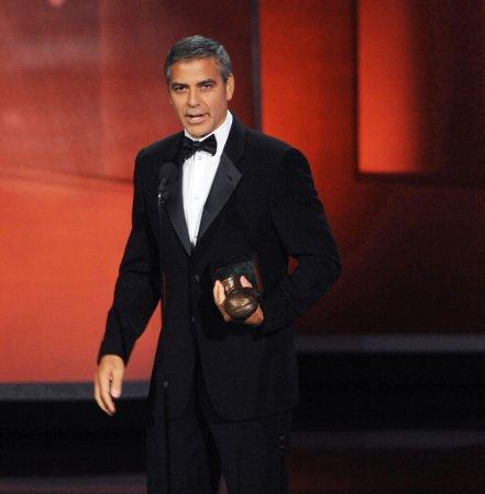 Selleck, Clooney: Best facial hair