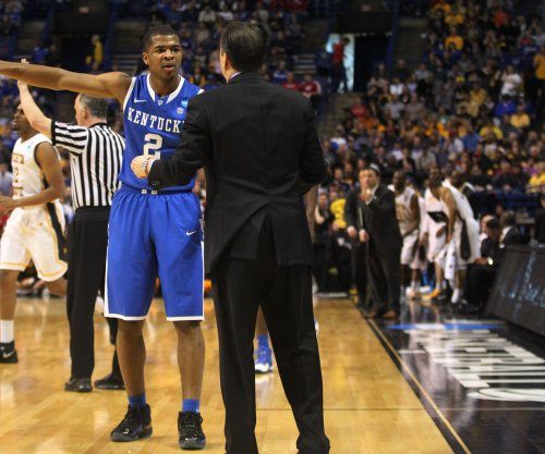 Texas A&M tangles with top-ranked Kentucky Wildcats