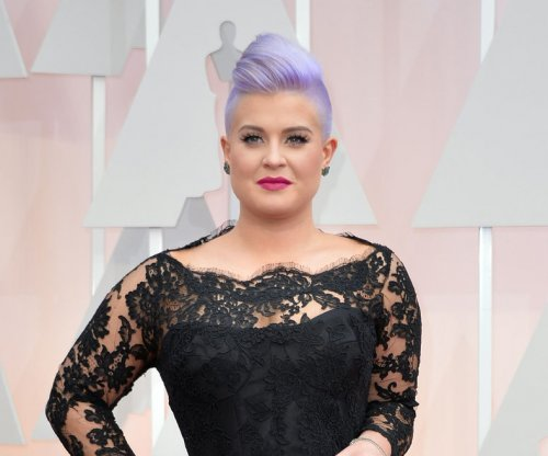 Kelly Osbourne may quit 'Fashion Police' over co-host's dreadlock comments