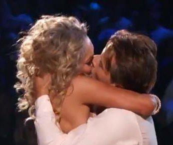 Kym Johnson, Robert Herjavec explain 'Dancing' kiss