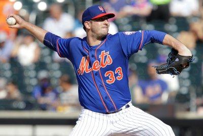 Harvey helps himself with homer in New York Mets' 4-2 win