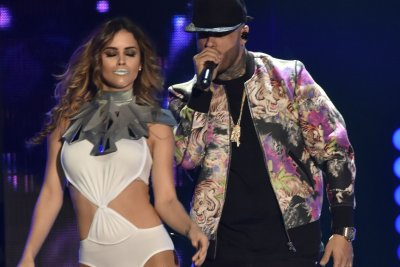 Enrique Iglesias, Nicky Jam dominate 2016 Billboard Latin Music Awards