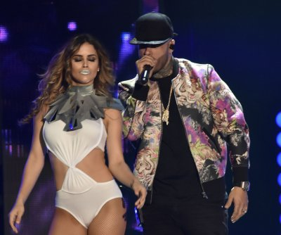 Enrique Iglesias, Nicky Jam dominate 2016 Billboard Latin Music Awards
