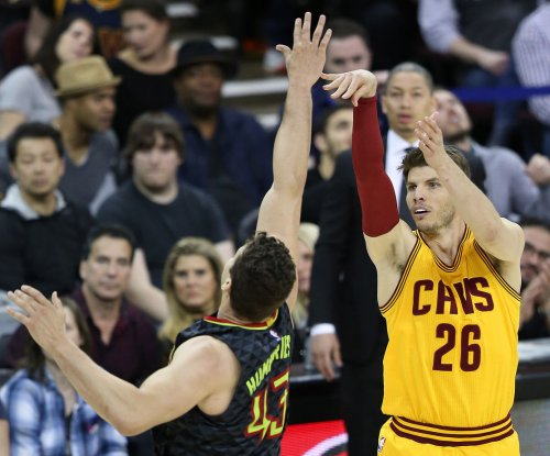 Cleveland Cavaliers re-sign guard Kyle Korver to three-year deal