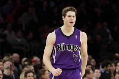 Jimmer Fredette agrees to deal with Shanghai Sharks