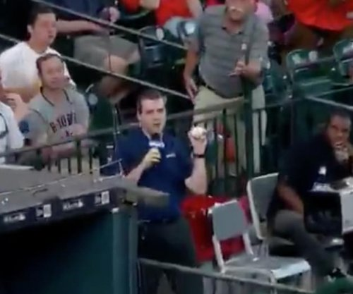 New York Mets: Sideline reporter makes smooth catch while on-air