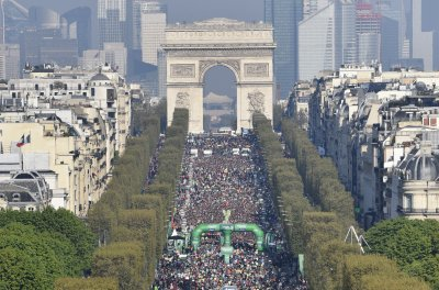 Paris Marathon runner breaks record running in high heels