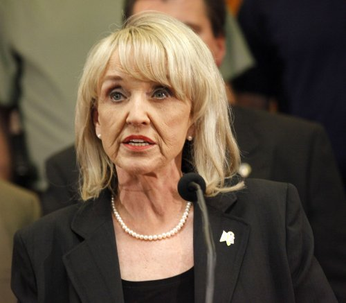 Obama, Arizona Gov. Brewer to meet
