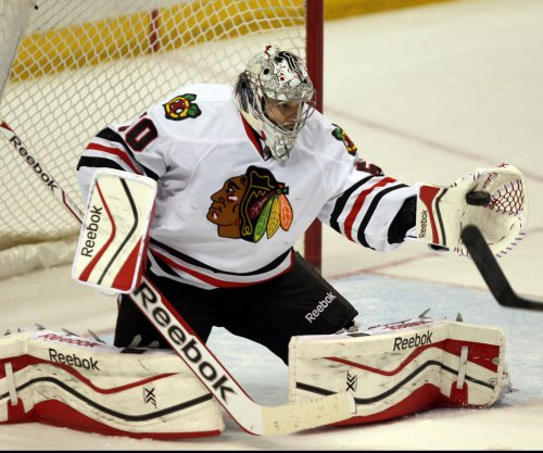 Corey Crawford, Chicago Blackhawks put clamps on St. Louis Blues