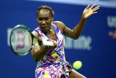 Venus Williams bows out in opener at St. Petersburg