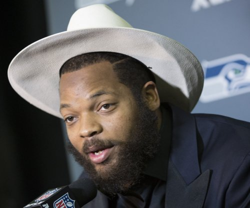 Seattle Seahawks DE Michael Bennett balks at Israel goodwill trip
