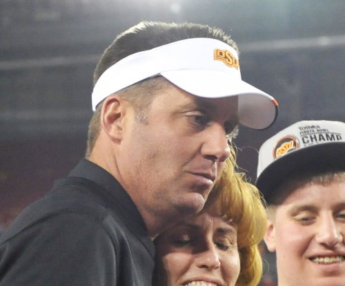 Mike Gundy signs new $4.2 million a year deal at Oklahoma State