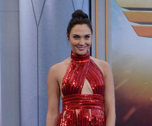 Gal Gadot surprises student with 'Wonder Woman' scholarship