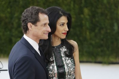 Anthony Weiner, Huma Abedin to settle divorce out of court