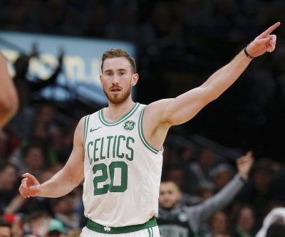 Boston Celtics' Gordon Hayward suffers broken hand, will visit specialist