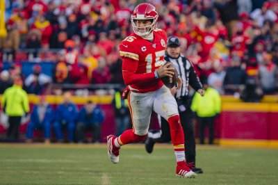 Mahomes, Chiefs beat Bills for second straight trip to Super Bowl