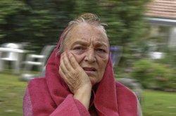 Study: 'Light flash' treatment may help slow Alzheimer's disease