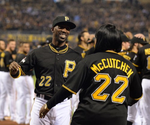 Pittsburgh Pirates CF Andrew McCutchen open to extension