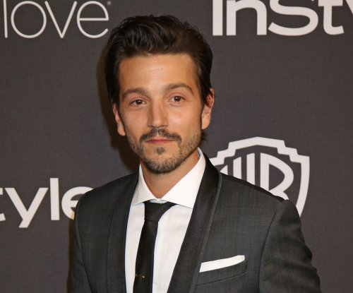 Diego Luna, Suki Waterhouse re-spark dating rumors