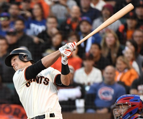 Giants hope for healthier Posey vs. A's