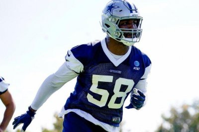 Dallas Cowboys' Robert Quinn out for preseason with fractured hand