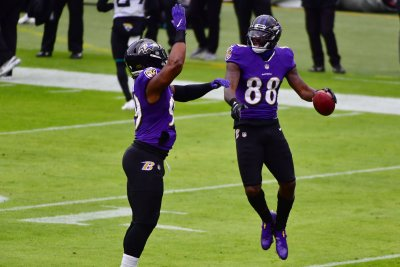 Baltimore Ravens WR Dez Bryant scores first touchdown since 2017