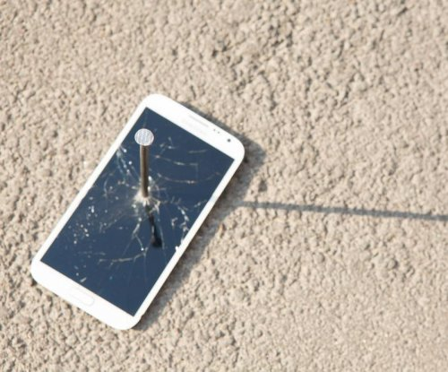 Hamas closes only cell phone provider in Gaza over tax evasion