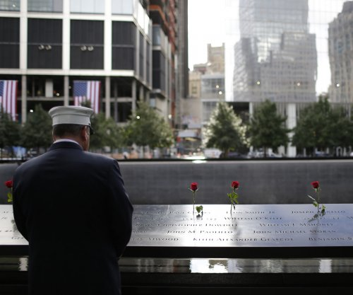 Obama leads nation in moment of silence, recalls personal experiences on 9/11