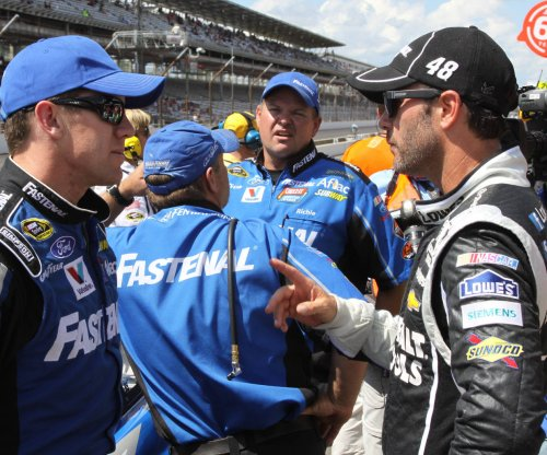 Jimmie Johnson earns second win of Sprint Cup season