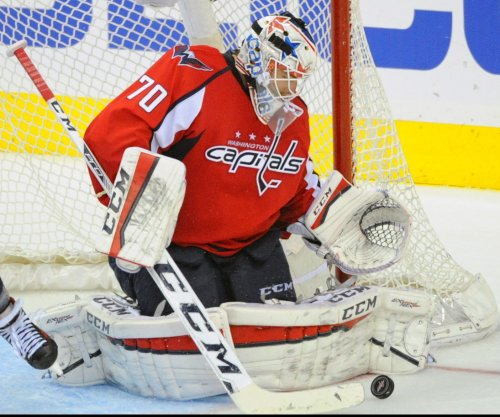Washington Capitals beat Philadelphia Flyers to advance to second round