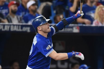 Josh Donaldson's blast helps Toronto Blue Jays rout Pittsburgh Pirates