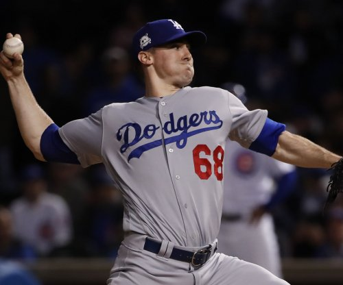 Dodgers hope to stay hot against Giants